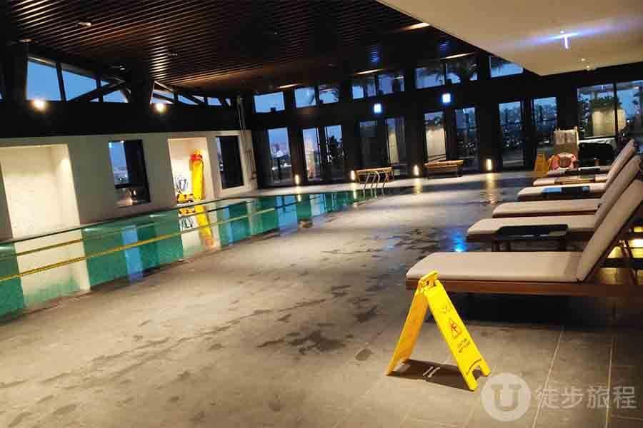 游泳池 台南飯店 大員黃冠假日酒店